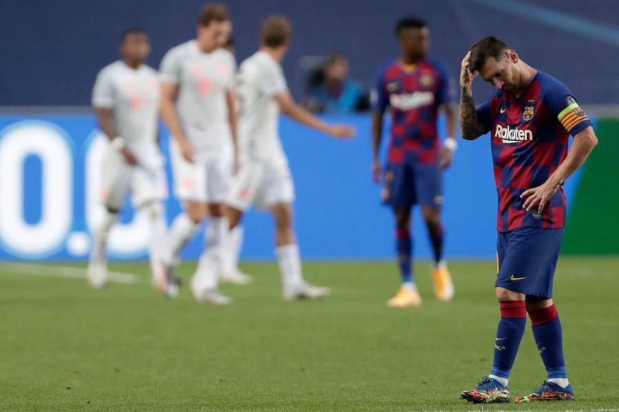 不発に終わったメッシ、バルセロナが歴史的大敗を喫した【写真:AP】
