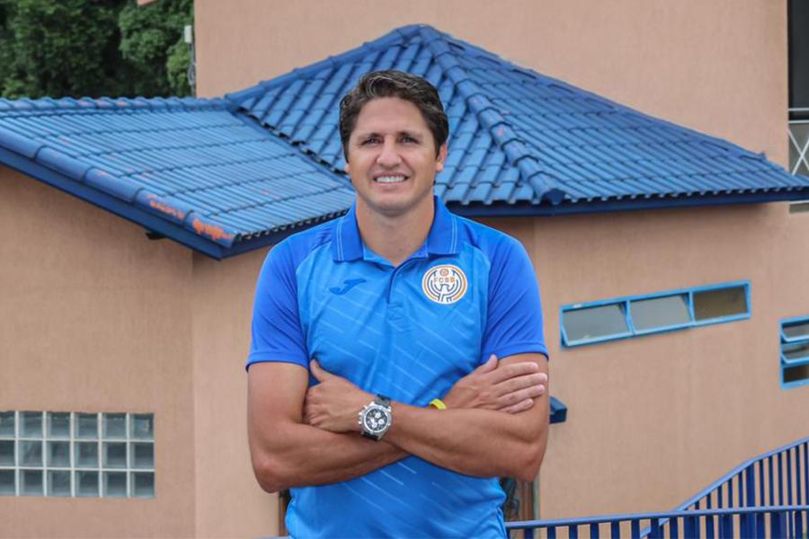 ビジャレアルでもプレーし、ブラジル代表の一員として世界一にも輝いたエジミウソン氏【写真:本人提供】