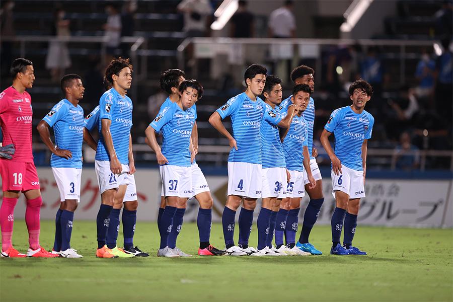 横浜FCの選手たちの試合中でのやり取りに注目【写真:高橋 学】
