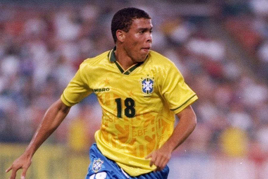 PSVで飛躍を遂げた元ブラジル代表FWロナウド【写真:Getty Images】