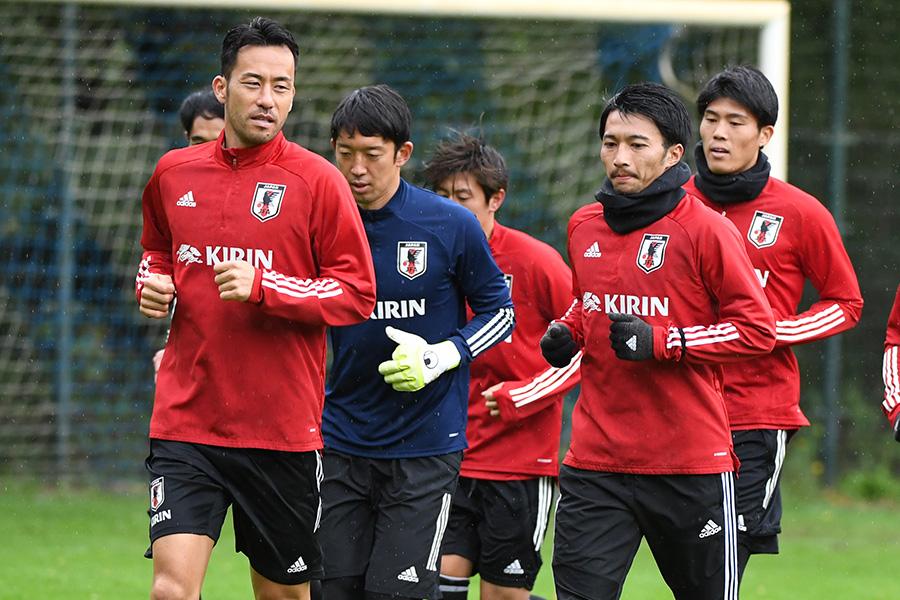 DF吉田麻也がMF柴崎岳、DF冨安健洋らと守備の改善点について話し合った【写真:ⓒJFA】