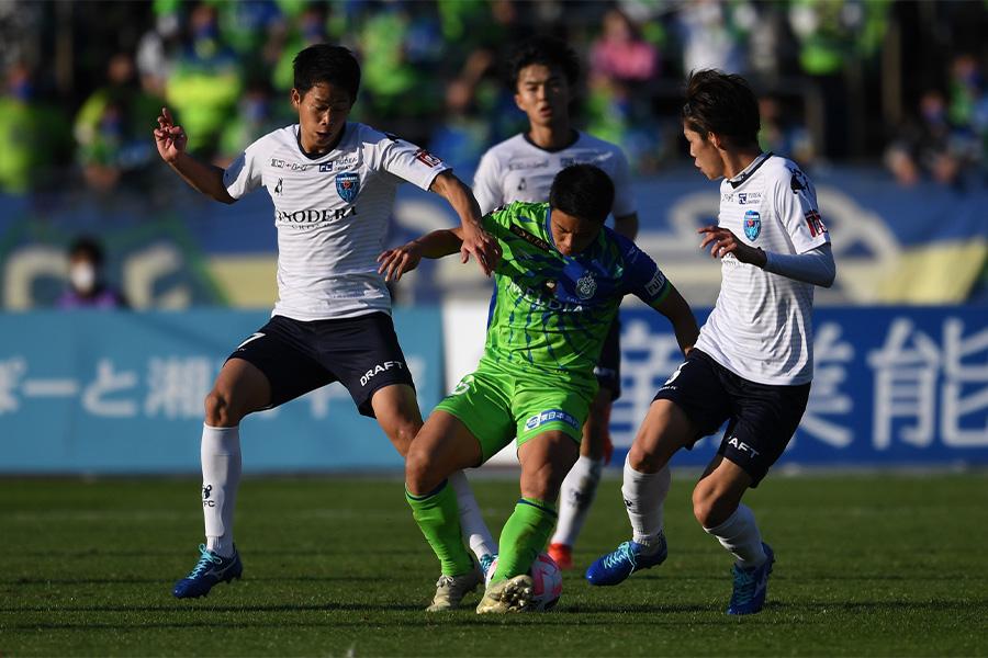 湘南と横浜FCの神奈川ダービーは湘南が勝利【写真:Getty Images】