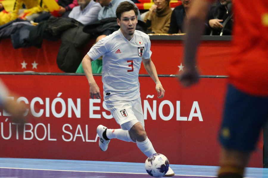 前半、果敢にドリブルを仕掛けて多くのチャンスをつくったFP室田祐希【写真:河合拓/Futsal X】