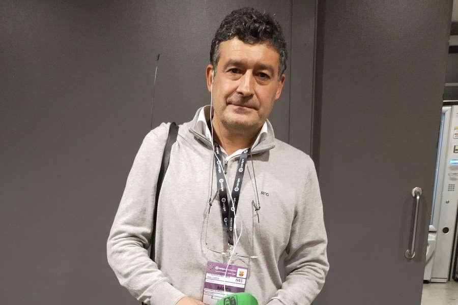 「オンダ・セロ」でバルセロナ番を務めるアルフレド・マルティネス記者【写真:Football ZONE web】