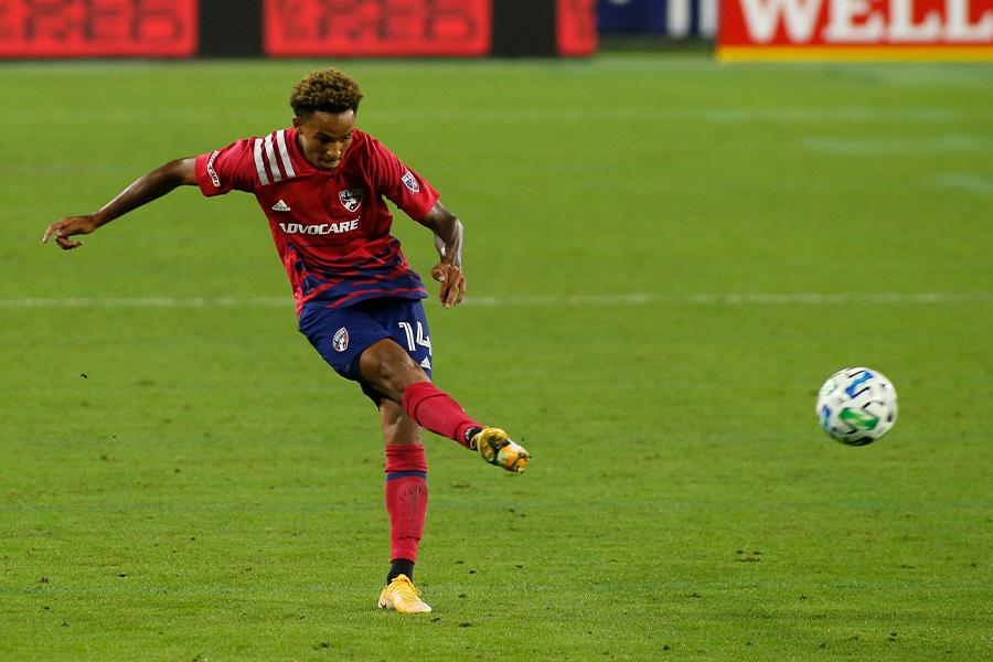 MLSのFCダラスでプレーするDFブライアン・レイノルズ【写真:Getty Images】