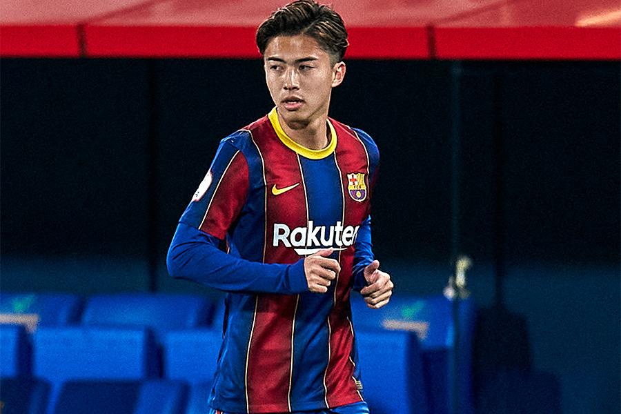 バルセロナBでプレーする日本代表MF安部裕葵【写真:Getty Images】