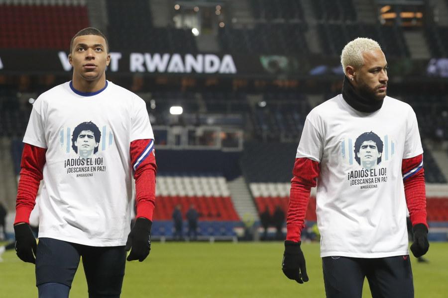 移籍の噂が絶えないパリ・サンジェルマンのブラジル代表FWネイマールとフランス代表FWキリアン・ムバッペ【写真:AP】