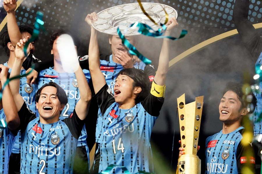 圧倒的な強さを誇示し、史上最速のJ1リーグ優勝を達成した川崎フロンターレ【写真:Getty Images】
