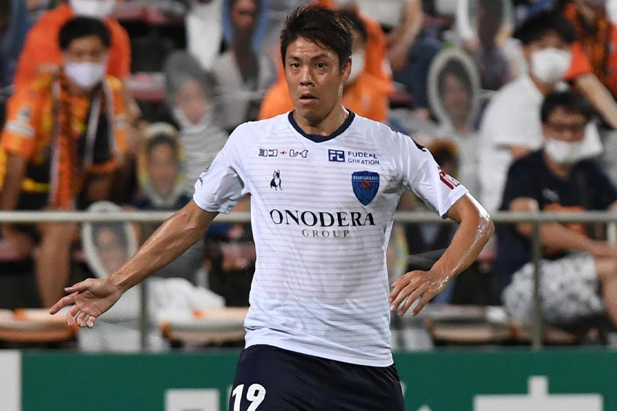 横浜FCでプレーする元日本代表DF伊野波雅彦【写真:Getty Images】