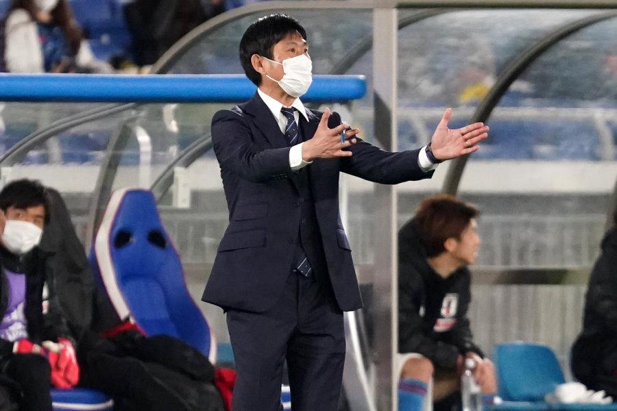 3-0の勝利を収めた日本代表を率いる森保一監督【写真:Getty Images】