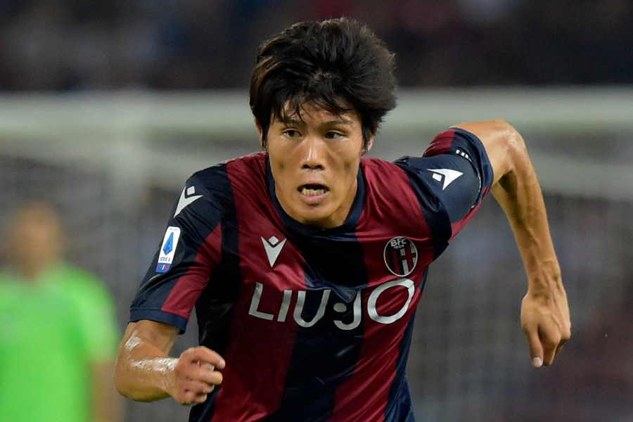 ボローニャの日本代表DF冨安健洋にプレミアクラブが注目【写真:AP】