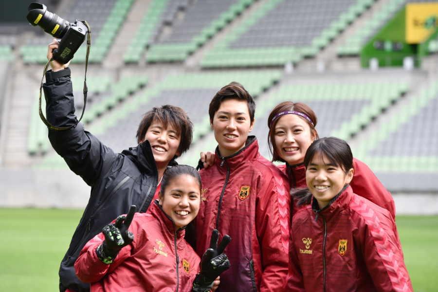チームメイトとともに切磋琢磨する日々を過ごす 【写真:INAC神戸レオネッサ】
