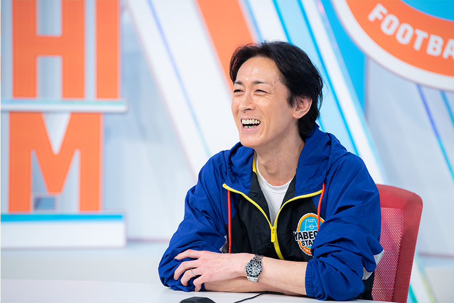 矢部浩之さんが、アシスタントの黒木ひかりさんについて語った【写真:小林 靖】