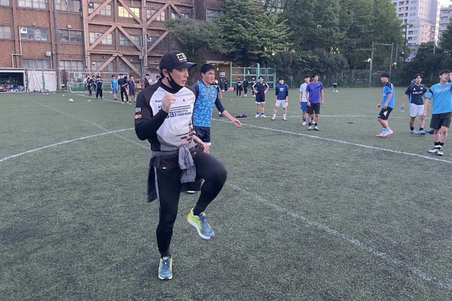 「KOBA式体幹トレーニング」を主宰する木場克己氏【画像:Football ZONE web】