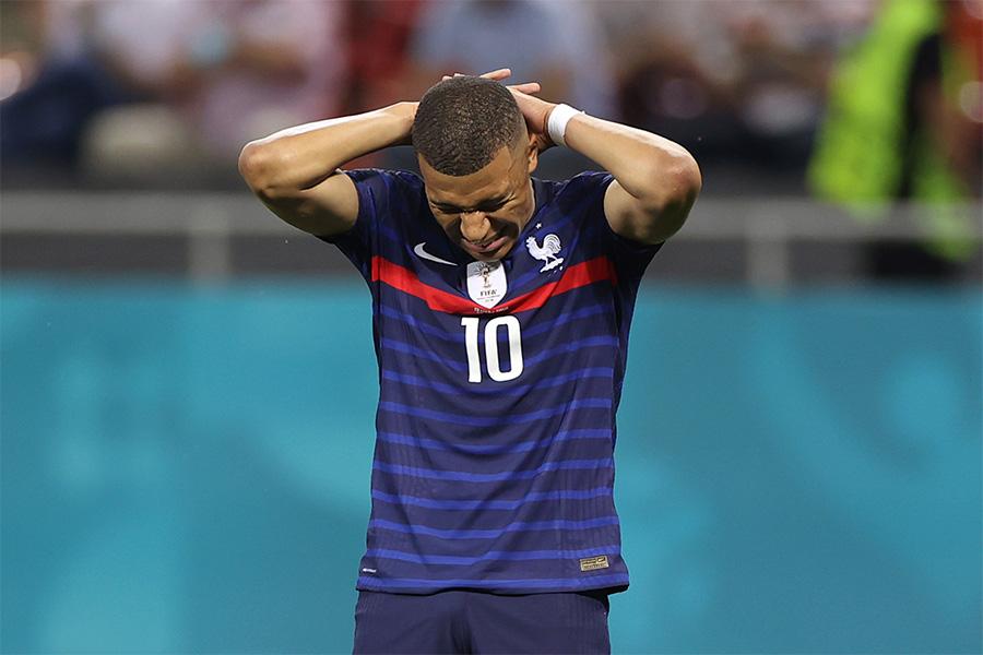 フランス代表はスイス代表に敗れベスト16で敗退【写真:AP】