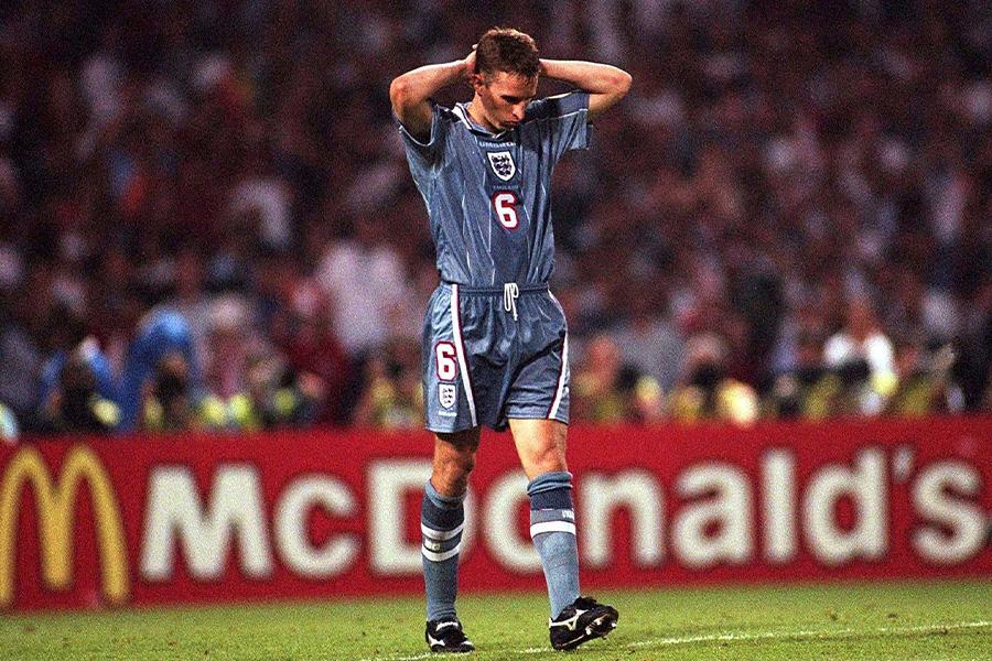 1996年のEURO準決勝、ドイツ戦でPKを失敗したサウスゲート【写真:Getty Images】