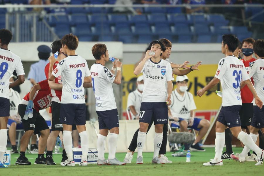 """昇格1年目の今季、横浜FCは""""ビッグネーム""""に頼らないメンバーでJ1に挑んでいる【写真:高橋学】"""