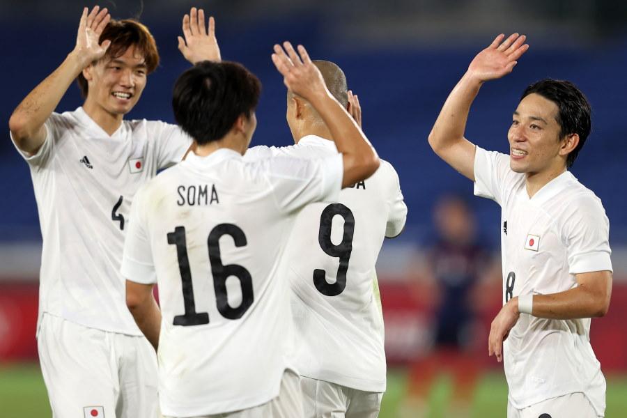 グループリーグを3連勝で首位通過したU-24日本代表【写真:Getty Images】