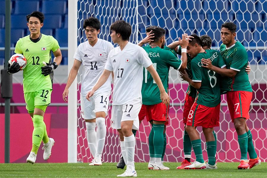 日本代表は惜しくもメダル獲得ならず【写真:AP】