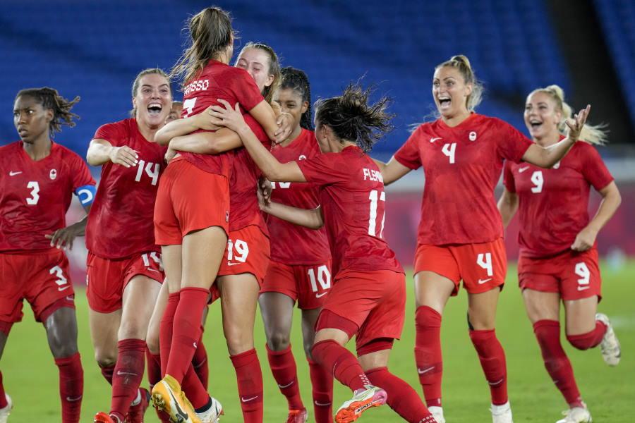 カナダがPK戦で勝利し、初の金メダル【写真:AP】