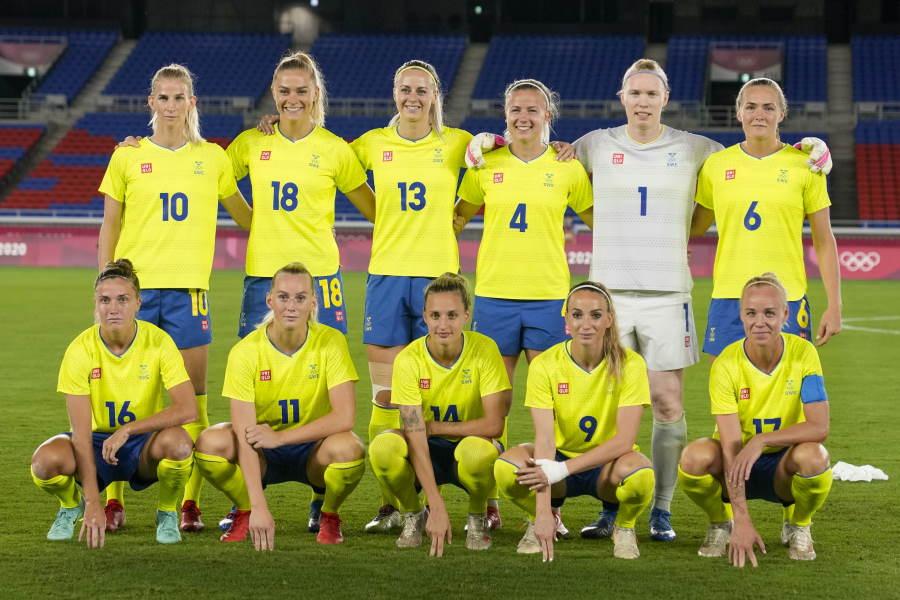 東京五輪で銀メダルを獲得したスウェーデン女子代表【写真:AP】
