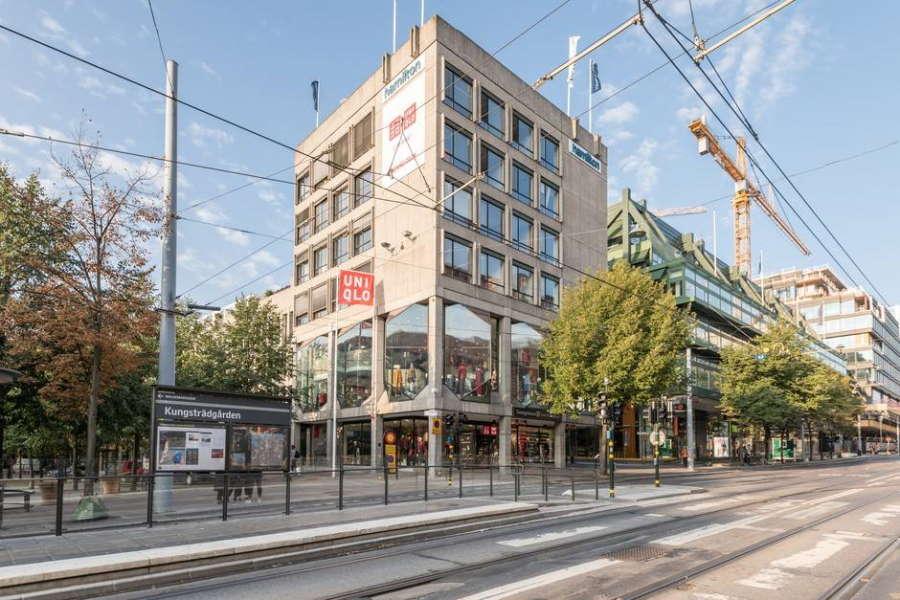 ユニクロのストックホルムの1号店出店がスウェーデンチームとの契約につながった