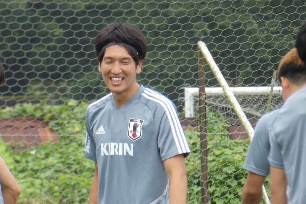 練習に笑みを見せる原口元気【写真:Football ZONE web】