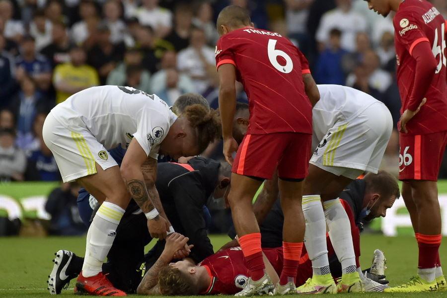 左足首脱臼の重傷で途中交代したリバプールU-21イングランド代表MFハーヴェイ・エリオット【写真:AP】