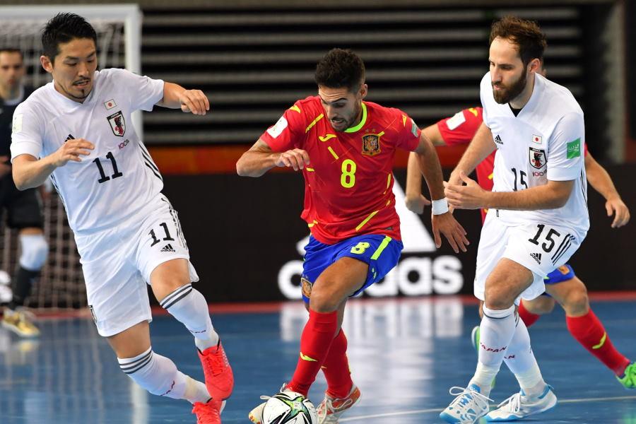 フットサル日本代表はスペインに逆転を許し2-4で敗れた【写真:Getty Images】