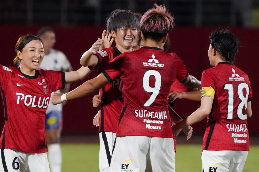 浦和LがWEリーグ唯一の開幕2連勝【写真:Getty Images】