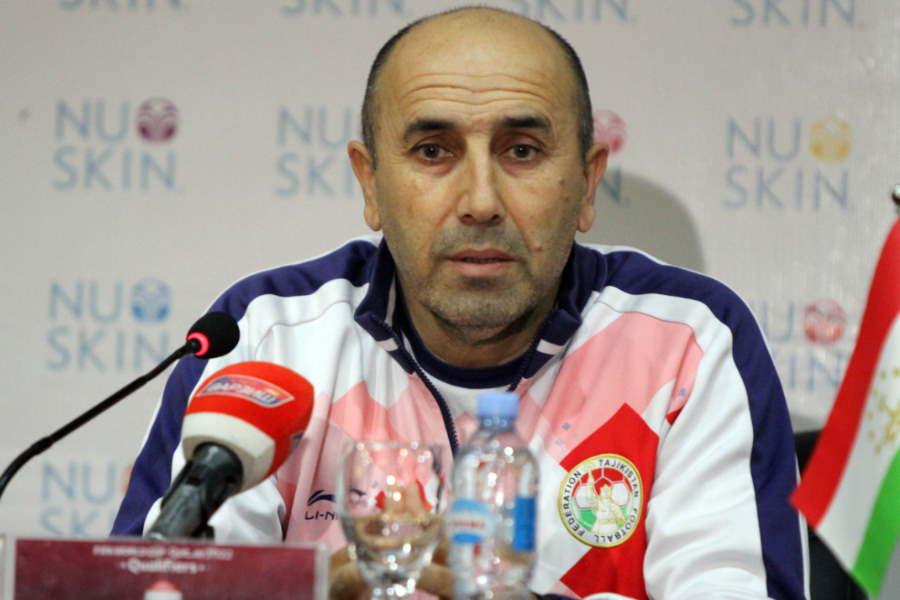 タジキスタン代表のウスマン・トシェフ監督【写真:Football ZONE web】