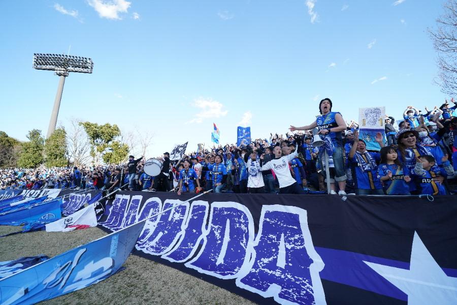 選手たちを声で後押しする町田サポーター【写真:©FCMZ】