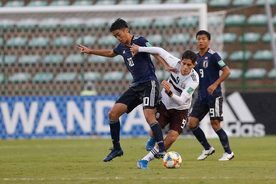 西川ら攻撃陣が抑え込まれた日本がメキシコに0-2で敗れた【写真:AP】