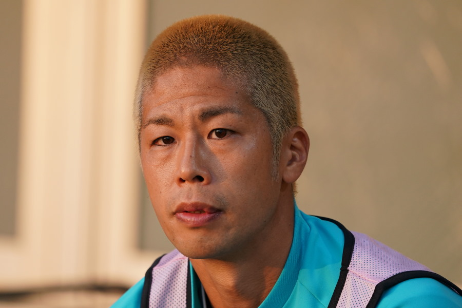 森本貴幸が公式インスタグラムでギリシャの散髪店を訪れた様子を公開【写真:Getty Images】