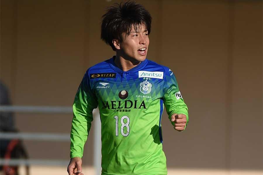 MF松田天馬の同点ゴールで湘南ベルマーレがJ1残留【写真:Getty Images】