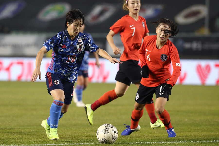籾木(背番号10)のPKで日本が1-0で勝利した【写真:Getty Images】