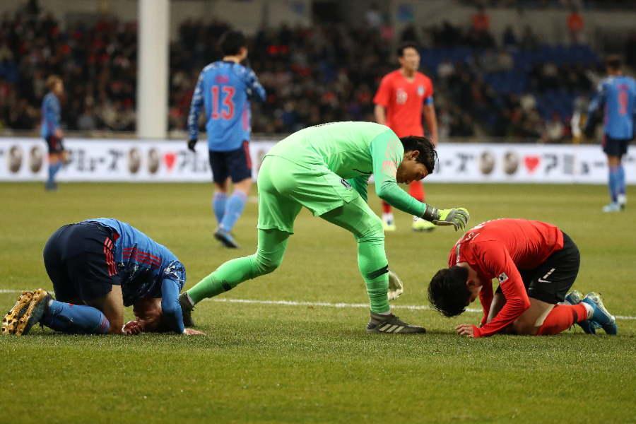 日韓戦は激しい試合を展開【写真:Getty Images】