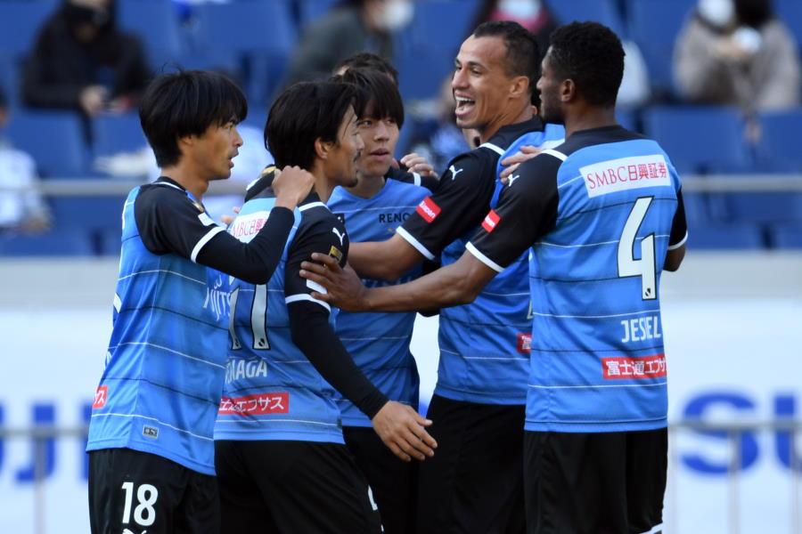 川崎はリーグ開幕3連勝で堂々の首位【写真:Getty Images】