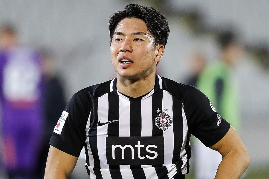 パルチザンでプレーするFW浅野拓磨【写真:Getty Images】