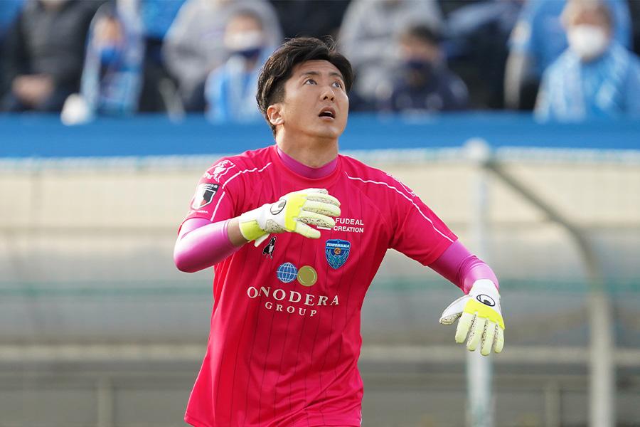 横浜FCでプレーするGK六反勇治【写真:Getty Images】