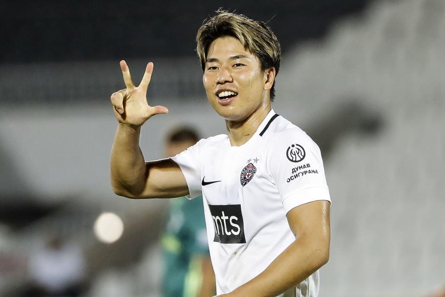 パルチザンに所属する日本代表FW浅野拓磨【写真:Getty Images】
