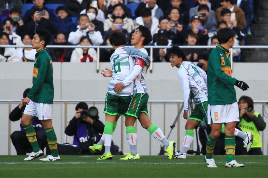 今年の高校サッカー選手権、決勝の一コマ【写真:Noriko NAGANO】