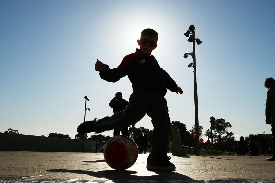 6歳の天才少年が見せた驚異のオーバーヘッド弾が話題(※写真はイメージです)【写真:Getty Images】