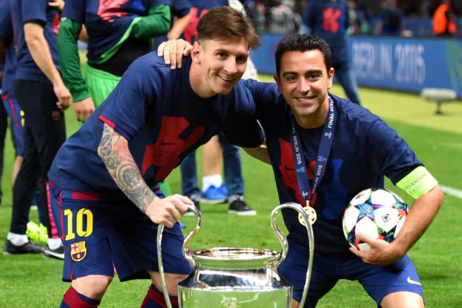 バルセロナで共闘したメッシ(左)とシャビ【写真:Getty Images】
