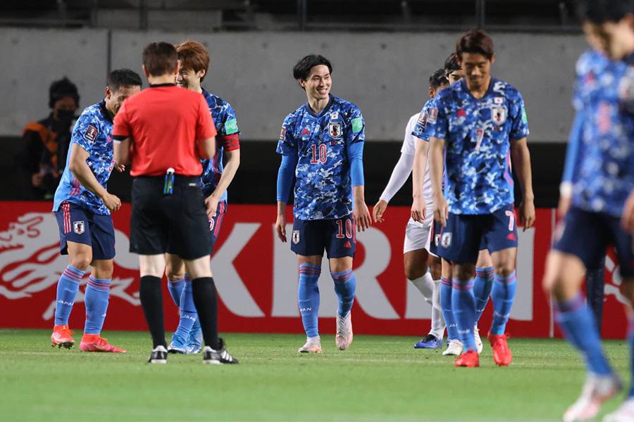 10得点を奪い快勝した日本代表の選手たち【写真:高橋 学】