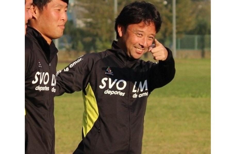 埼玉大学サッカー部監督として指導する菊原准教授【写真:本人提供】