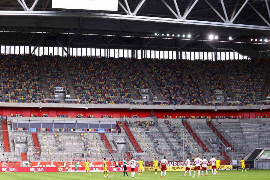 無観客で行われているブンデスリーガの様子【写真:Getty Images】