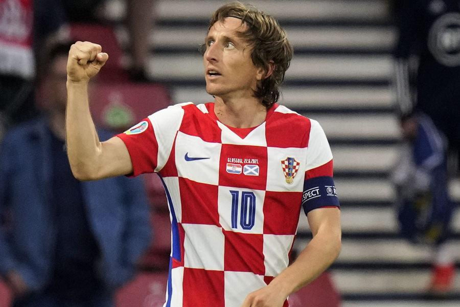 右足アウトサイドでの芸術弾を決めたクロアチア代表MFルカ・モドリッチ【写真:AP】
