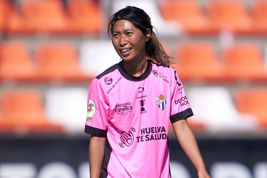 スペインのウエルバでプレーするMF田中陽子【写真:Getty Images】