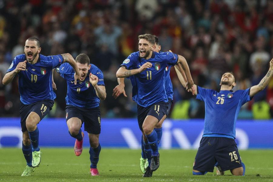 決勝進出を果たしたイタリア代表【写真:AP】
